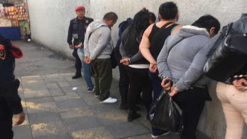 Detienen a seis por asaltar a argentino en Metro Chabacano - Foto de @SSP_CDMX