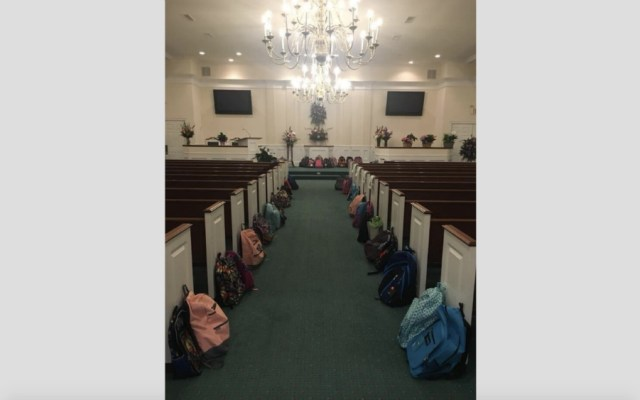 Maestra en EE.UU. pidió útiles escolares en lugar de flores en su funeral - Foto de @DrBradJohnson