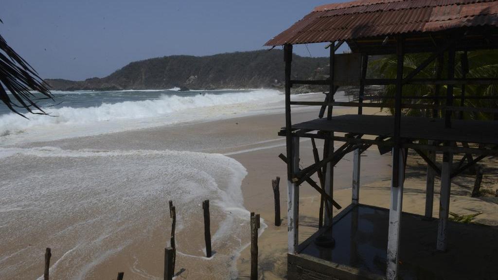 Alertan por fenómeno mar de fondo en costas de Oaxaca - Foto de @Notisistema