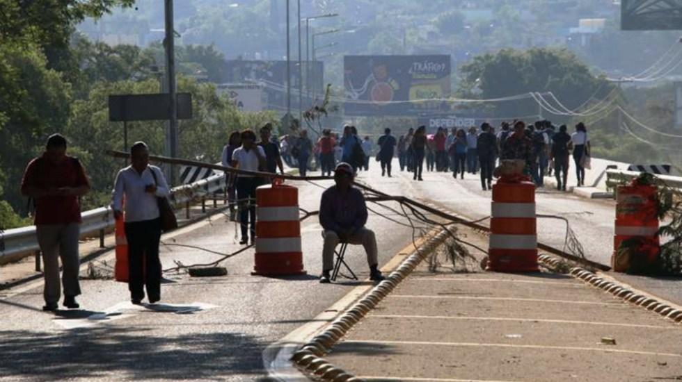 CNTE dialoga con gobierno y afecta calles en Oaxaca - Foto de @OaxacaPolitico
