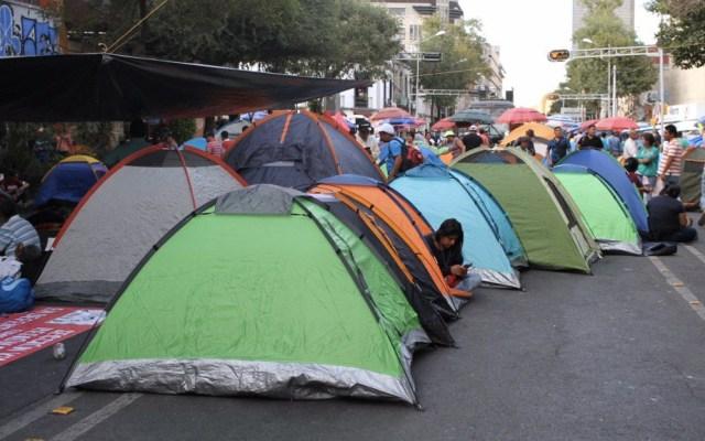CNTE retira bloqueos en Oaxaca ante reunión con gobierno - Foto de @SociedadPC