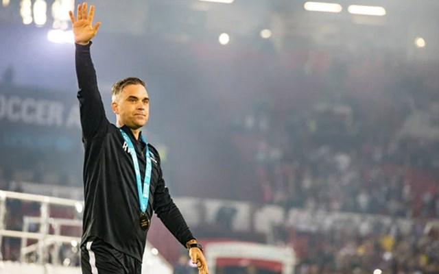 Robbie Williams listo para actuar en inauguración del Mundial - Foto de The Guardian