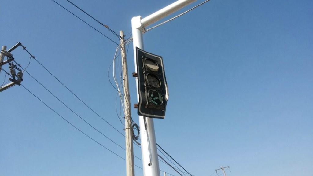 Calor derrite semáforos en la Comarca Lagunera - Foto de Internet