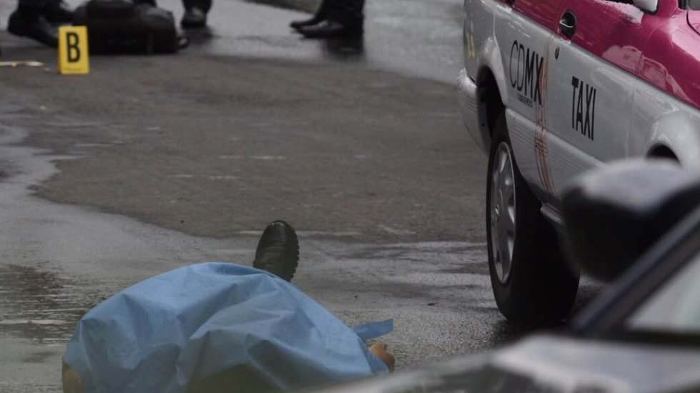 Asesinan a taxista tras discusión por la lluvia en la GAM