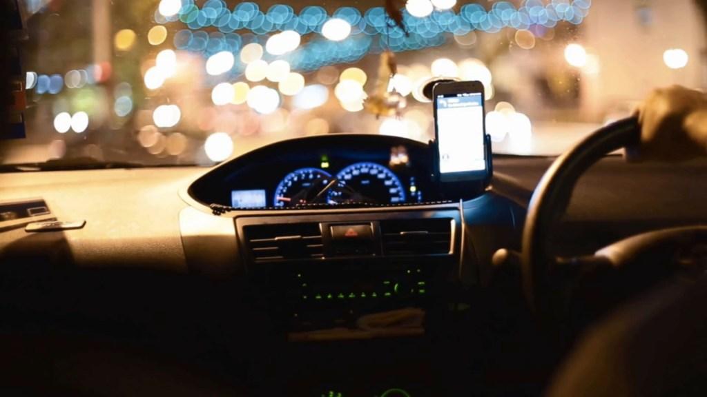 """Multan con 5.6 mdp a apps de transporte por mentir en """"servicio seguro"""" - Foto de Archivo"""