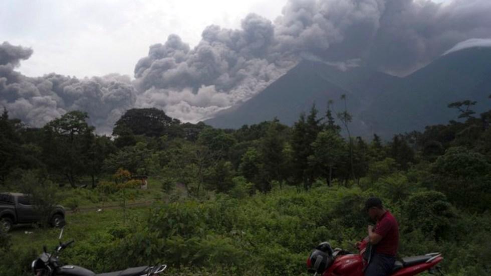 Suman 25 muertos tras erupción de volcán en Guatemala - Foto de AP