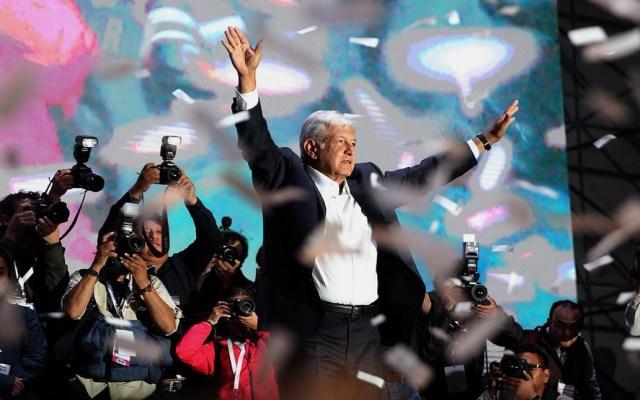 Diputado de Morena propone declarar el 1 de julio como 'Día de la Cuarta Transformación' - Festejo de López Obrador en el Zócalo de la CDMX tras ganar elecciones de 2018. Foto de Twitter