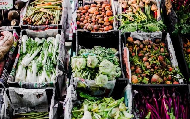 Aranceles a alimentos de EE.UU. elevan precios en la Central de Abasto - Foto de @pehua_mx
