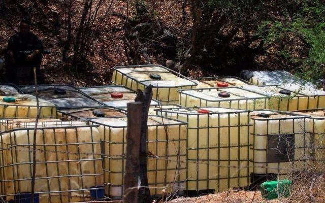 PGR asegura 3 mil litros de combustible robado en Pachuca - Foto de Internet