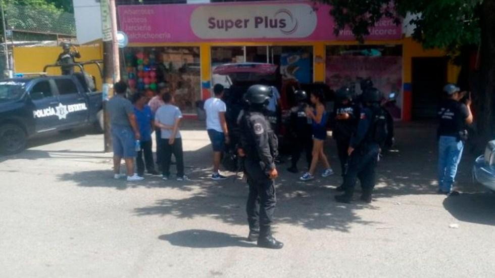 Policías comunitarios balean a turistas en Guerrero - Foto Especial
