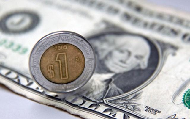 Dólar inicia semana hasta en 20.59 pesos en casas de cambio