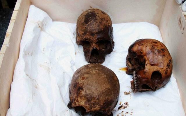Hallan tres esqueletos en misterioso sarcófago hallado en Alejandría - Foto de EPA