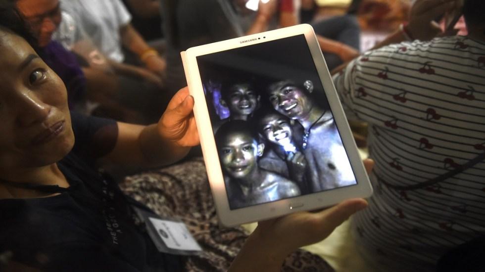 Estudian cinco posibilidades para rescatar a niños de cueva en Tailandia - Foto de AFP / Lillian Suwanrumpha