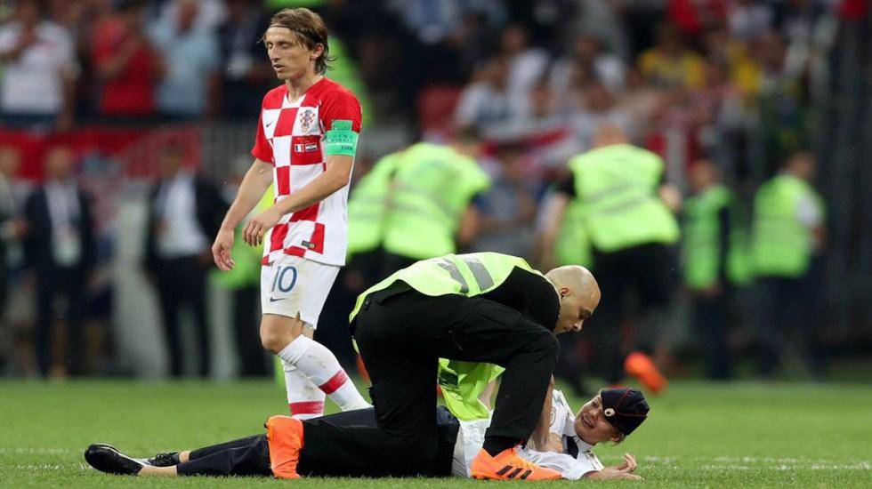 Grupo feminista invade cancha en la final del Mundial de Rusia - Foto de internet