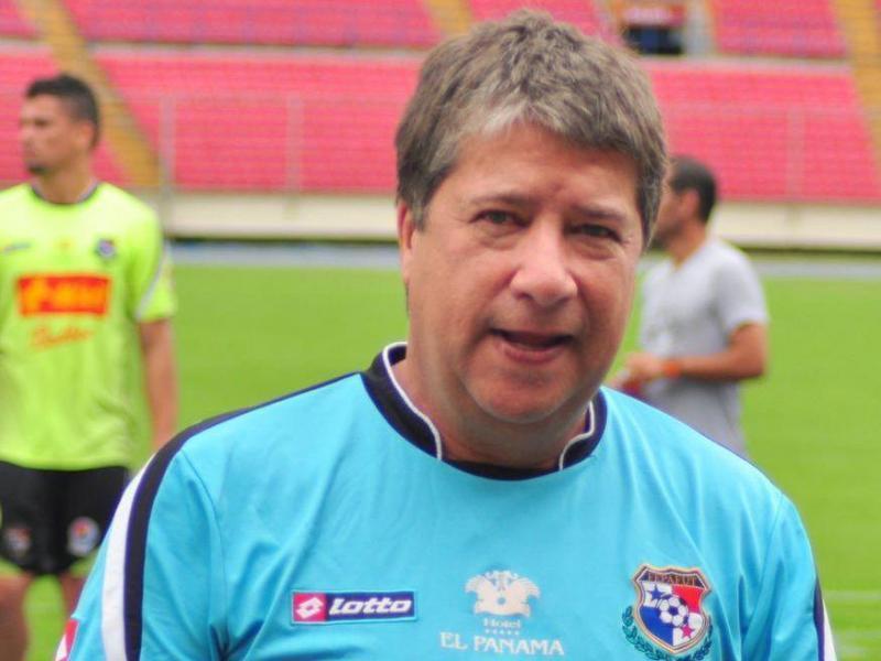 Hernán Darío Gómez deja selección de Panamá