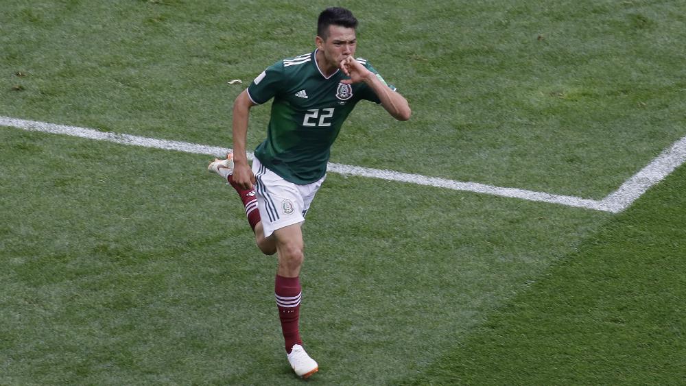 DT del PSV descarta venta de Hirving Lozano