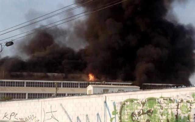Se incendia planta de aluminio en Nuevo León - Foto de Internet