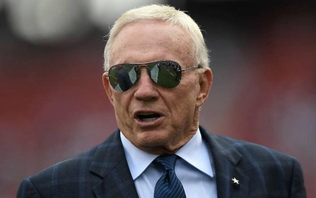 Cowboys no pueden estar en el vestidor durante el himno: Jerry Jones - Foto de internet