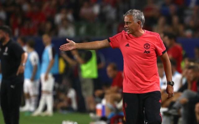 Frustrado Mourinho ante la falta de refuerzos en el Manchester United - Foto de AFP