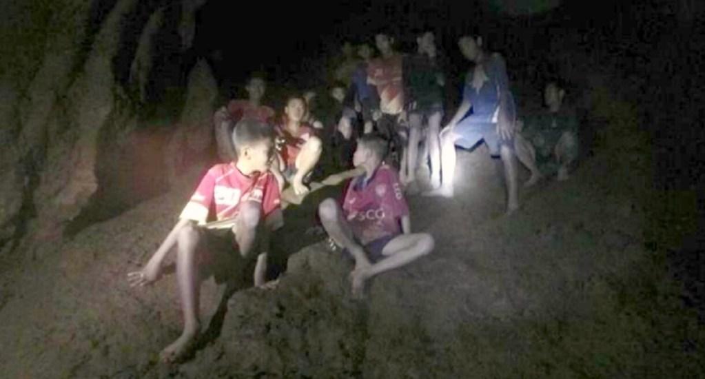 Autoridades piden descartar buceo para sacar a niños de cueva - Foto de internet