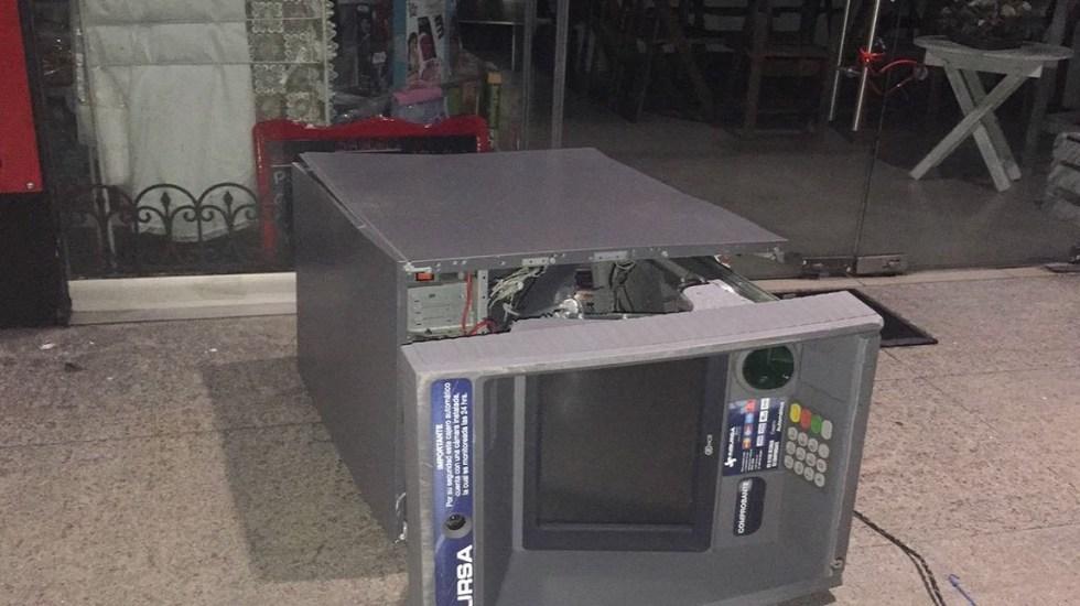 Policías frustran robo de cajero en el Estado de México - Foto de Twitter