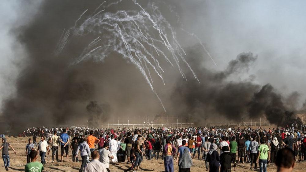 Protestas dejan tres palestinos muertos y más de 90 heridos en Gaza - Foto de MAHMUD HAMS / AFP