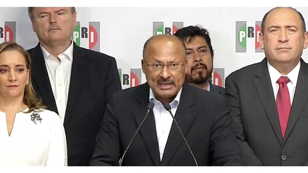 René Juárez renuncia a presidencia del PRI. Ruiz Massieu ocupará su lugar