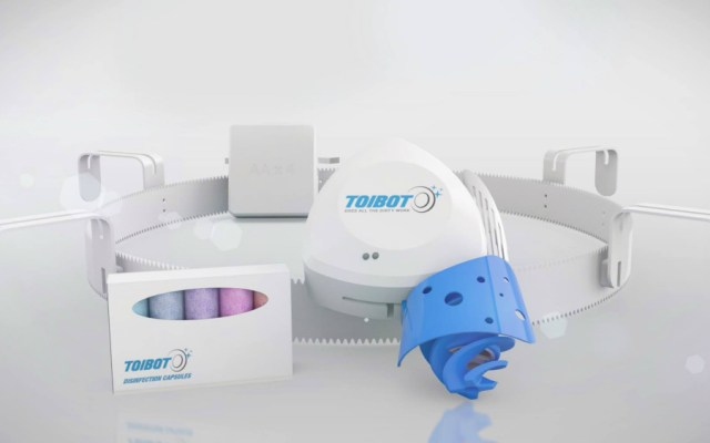 Inventan robot que desinfecta inodoros en un 99.9 por ciento - Foto de Toibot
