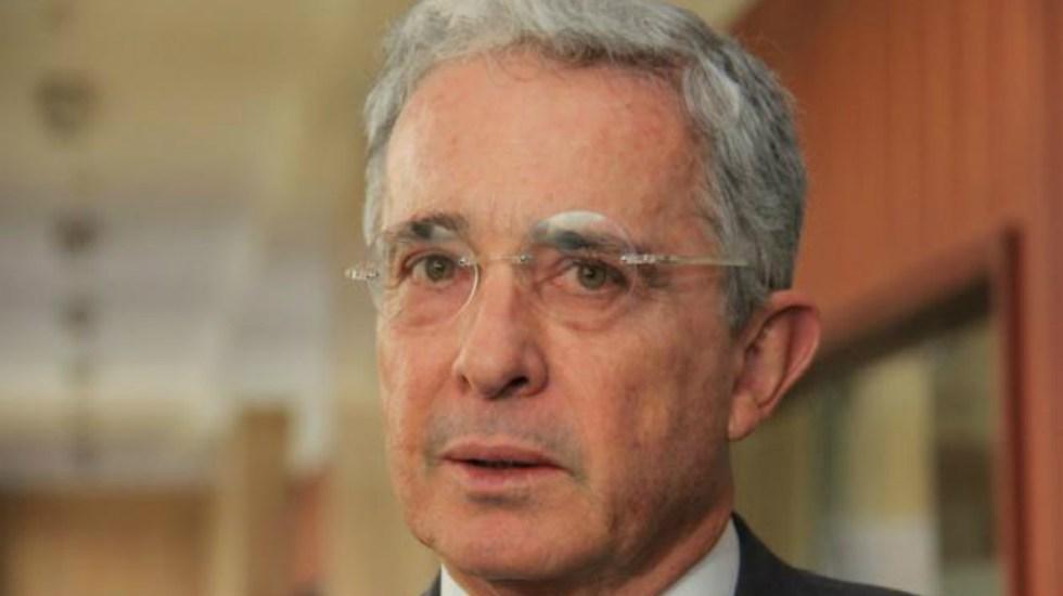 Álvaro Uribe descarta renunciar al senado de Colombia por investigación - Foto de Internet