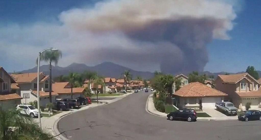 #Video Así inició el incendio Holy en Cleveland, California - Foto Captura de Pantalla