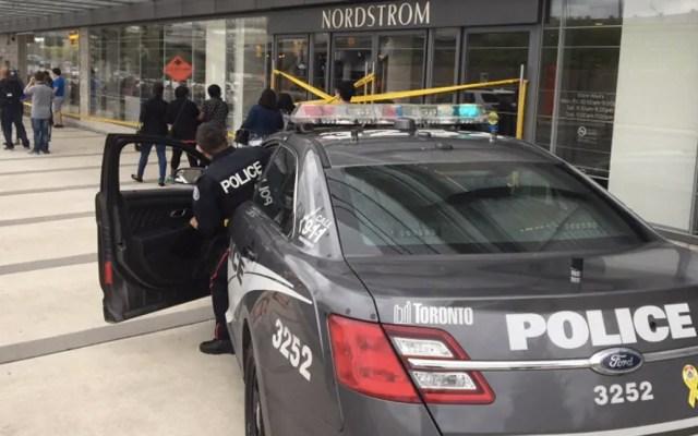 Tiroteo en centro comercial de Toronto - Foto de CBC