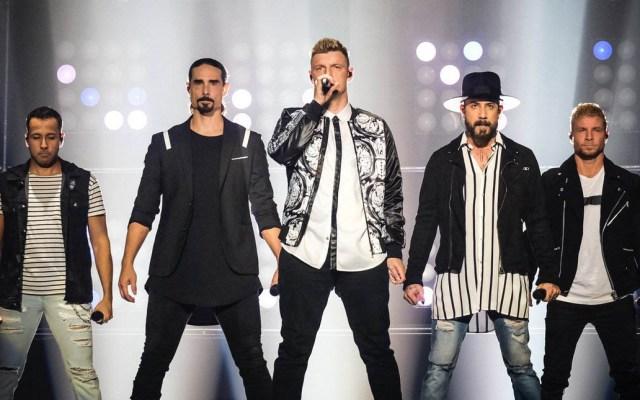 #Video Estructura cae sobre asistentes a concierto de Backstreet Boys - Foto de @Dr_Dude