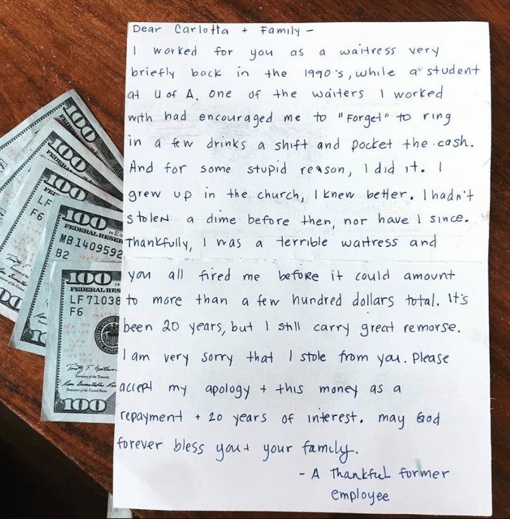 """Mesera robó dinero y 20 años después lo devuelve con emotiva carta"""""""