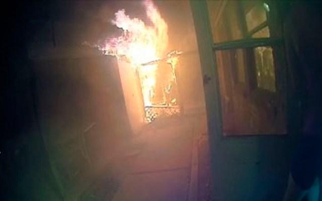 #Video Policía rescata a menores de incendio en Texas