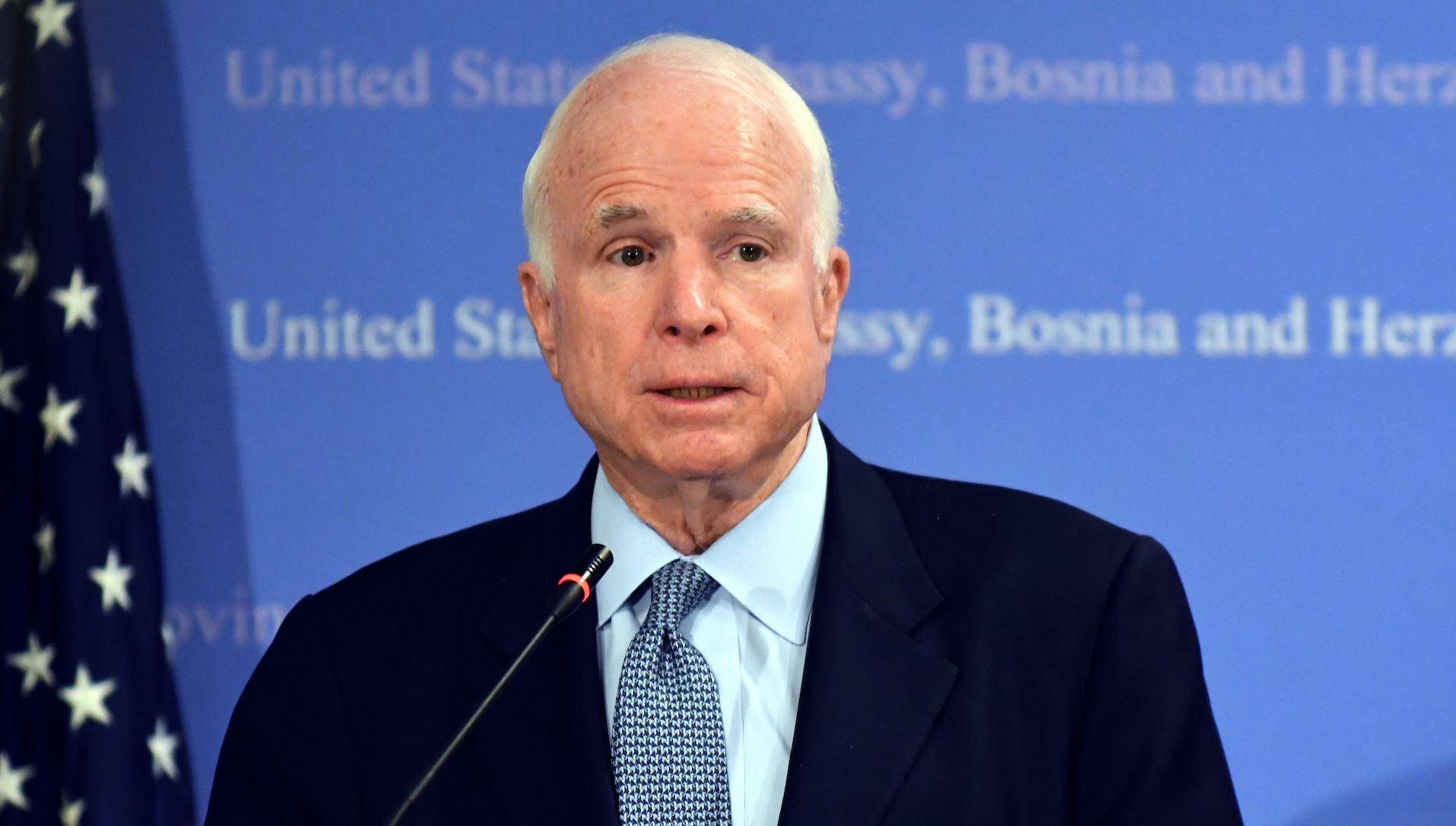 John McCain abandona tratamiento contra el cáncer
