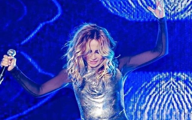 #Video Marta Sánchez termina sin vestido durante concierto - Foto de Twitter
