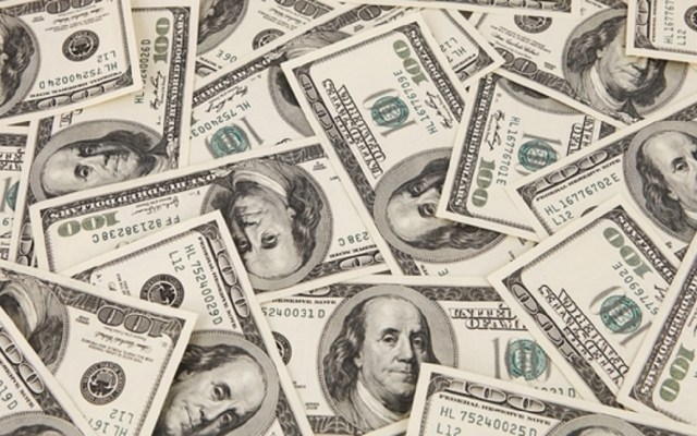 Dólar gana nueve centavos y cierra a 19.57 pesos - Dólares americanos. Foto de Internet