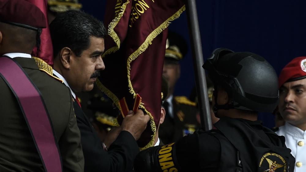 Implica Maduro a presidente de Colombia por atentado en su contra - Foto de AFP