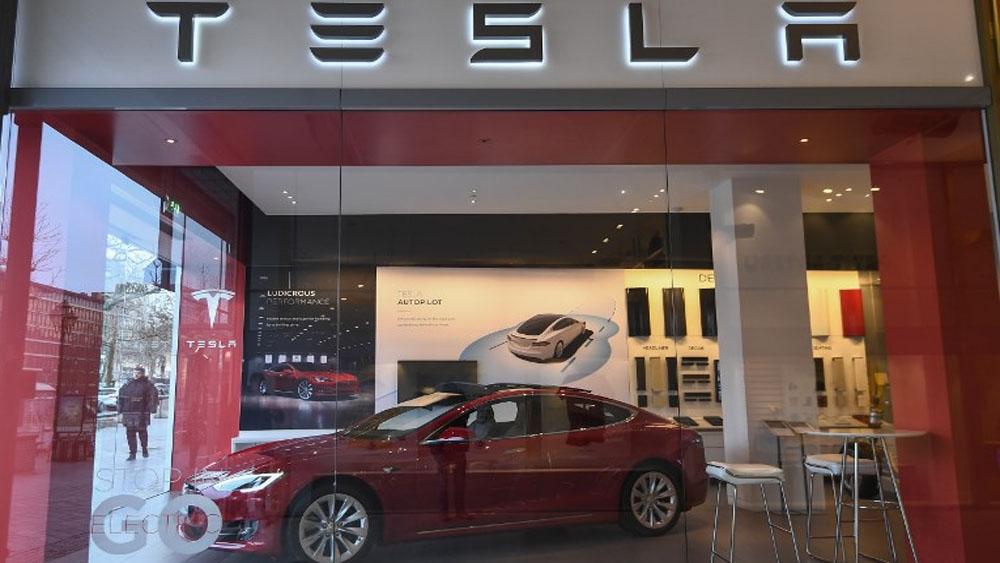 Tesla anuncia reducción de 7 por ciento de su personal - Foto de Emmanuel DUNAND / AFP