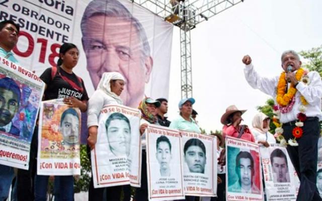 Exigirán padres de los 43 a AMLO que cumpla su promesa - Foto de Cuatoscuro