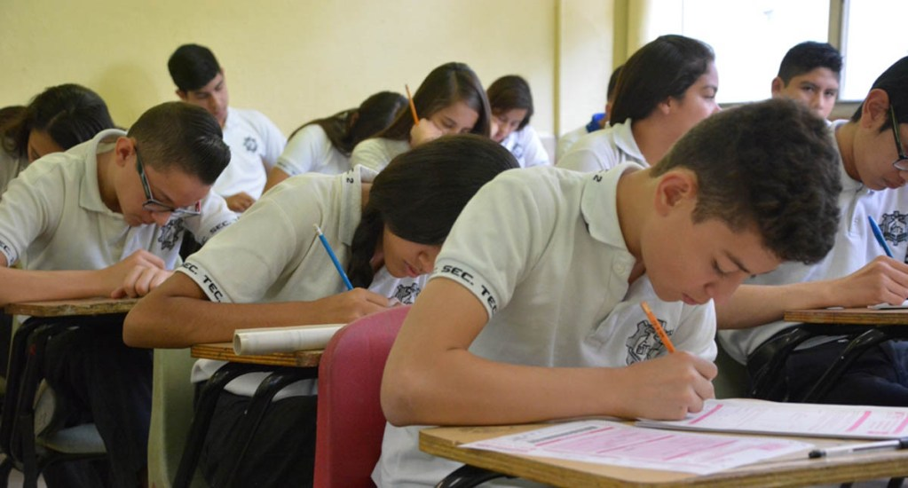 Alumnos salen de la secundaria sin entender el español o matemáticas - Foto de Internet