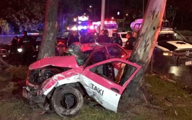 Ladrones chocan contra árbol en Insurgentes tras robar gasolinera - Foto de Excélsior