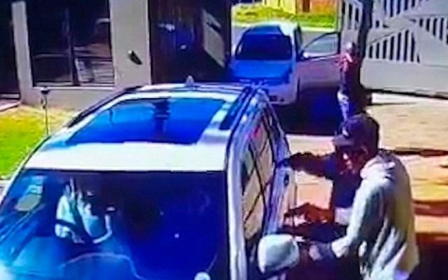 #Video Mujer evita ser secuestrada en Sudáfrica