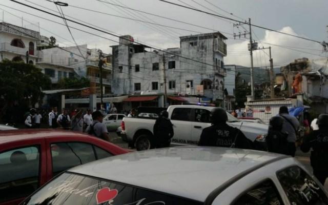 Cuatro heridos dejan dos ataques a sitios de taxis en Acapulco - Foto de Quadratín