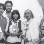 De izquierda a derecha, Ana Bohigas, Oscar Tusquets, Antonio López Lamadrid, Beatriz de Moura, Salvador Dalí y el editor francés Jean-Jacques Pauvert. Foto de El País