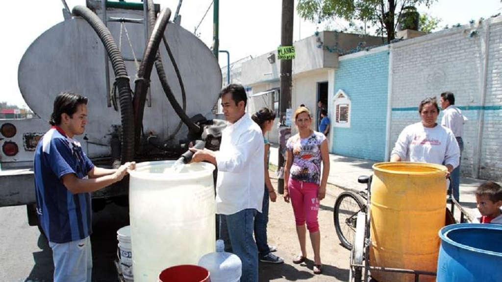 Serán necesarias 12 mil pipas al día por corte de agua: Mancera. Noticias en tiempo real