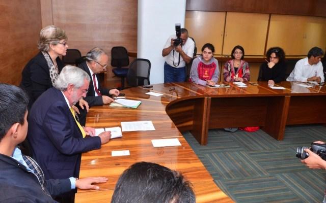 Firman pliego petitorio de CCH Azcapotzalco en Rectoría - Foto de UNAM