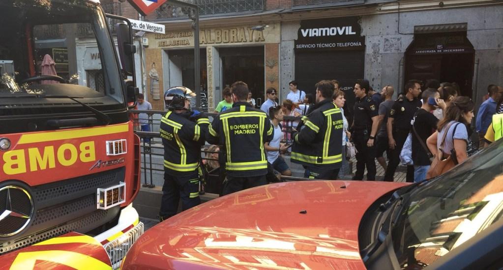 Evacúan Metro de Madrid por explosión de computadora - Foto de Emergencias Madrid