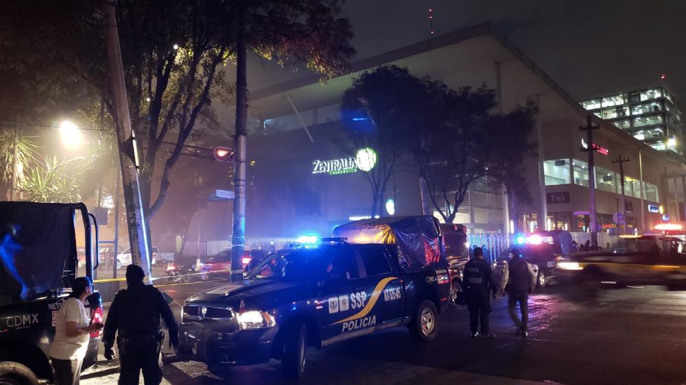 Evacúan a 800 personas por incendio en plaza comercial en Iztapalapa. Noticias en tiempo real
