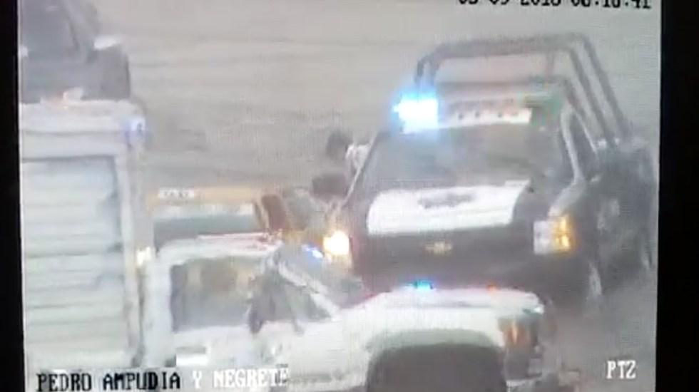 #Video Rescatan en Saltillo a mujer atrapada en taxi tras inundación - Foto de El Heraldo de Saltillo